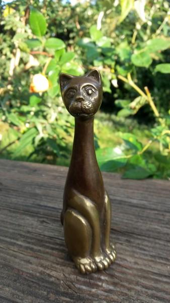 Bronze Katze schlank